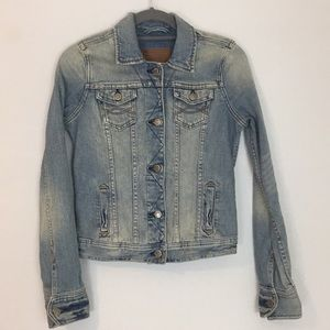 {ABERCROMBIE & FITCH} DISTRESSED JEAN JACKET